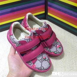 2019 scarpe scolastiche Desinger Todder Ragazzi Scarpe Luxury Girls Sneakers Hook Loop Bambini Sneaker Casual School Indossare Scarpe Moda Trendy Scarpe per bambini cvv1 sconti scarpe scolastiche