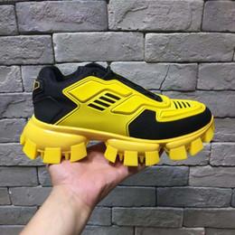 Laços de sapato grosso on-line-Novos sapatos desportivos, sapatos de lazer moda dos homens, de sola grossa Laces, Colorido Euro-americanos respirável papai Shoes