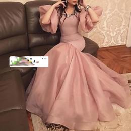 Kurze goldkleidschwänze online-rosa Ballkleider Organza kurze Ärmel Kristall Nixe geschwollene Fischschwanz bodenlangen Abendkleid