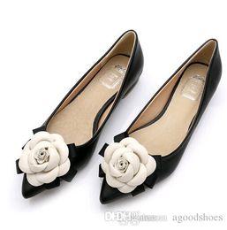douce fleur de dame Promotion Big Size Sweet chaussures de marque de style femme Casual chaussures fleurs de camélia couleurs mélangées bouche peu profonde bout pointu chaussures plates dame célibataire