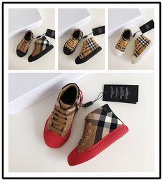 детская зимняя обувь Скидка Burberry Brand детские лодыжки Дизайнеры Модные кроссовки Зима Высококачественная дизайнерская обувь Кроссовки Тапочки