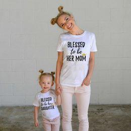 2019 t-shirts imprimés famille Chemises assorties de mère T-shirts de mère de fille lettres imprimant des dessus de vêtements de jour de mère vêtements à manches courtes de maman filles t-shirts imprimés famille pas cher