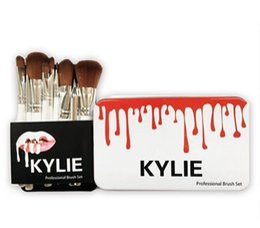 polvos cosméticos kylie Rebajas 12 piezas Kylie White Makeup Brushes Set Foundation Blending Powder Powder Eyeshadow Contourler Concealer Blush Cosmetic Makeup Brush Tool