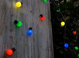 2019 luci di sfera per il giardino 5M 20 LED Globe Festoon String Light Outdoor impermeabile LED Ball Fairy Lights Natale Ghirlanda Wedding Party Garden Decor LLFA sconti luci di sfera per il giardino