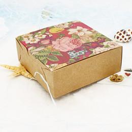 2019 bolsas de yute hechas a mano 20/40 piezas Caja de papel Kraft de flores vintage Caja de macarrones Empaque de regalo de chocolate Tortas de boda Cajas de galletas Karton