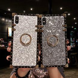 2019 iphone ring ring Designer de luxe cas téléphone diamante anneau couverture pour iphone x xs max xr 6 s 7 8 plus de couverture arrière cas de téléphone classique iphone ring ring pas cher