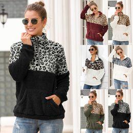 2019 giù pullover colletto 10 donne di stili Sherpa Leopard Patchwork pullover morbida Fleece Pullover cappotto con le tasche inverno caldo di spessore Felpa Outwear Tops M793 giù pullover colletto economici