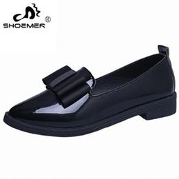 Elegante tiefe fersen online-SHOEMER Summer Flats Damen Schuhe Bowtie Loafers Lackleder Elegant Low Heels Slip On Schuhe Damen Spitz Dicker Absatz