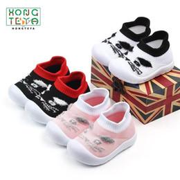 tecido padrão sapatos bebê Desconto 2019 Venda Quente Sapatos de Bebê Tecido de Tricô Casual Prewalker Primeiro Walker Sapatos Ao Ar Livre ou Berço Macio Sola Menina Menino Sapato Animal padrão