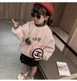 Bolsos de los niños Bolsos de bebé Diseño de Carta encantadora Princesa Monederos Moda Mini Pu Cadena Inclinado Bolsas de Hombro Childern Regalos de Navidad Snack Bolsa desde fabricantes