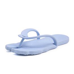 2019 Мужские шлепанцы Летний крытый дом мужской мужской резиновой мягкой обуви Открытый пляж мужские тапочки массаж мужской водяной обуви от
