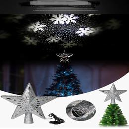 Proiettore a forma di luce online-LED rotante lampada di proiezione nevicata fiocco forma di stella proiettore luce di neve Animazione Flash Lampade Christmas Tree Decoration A112002