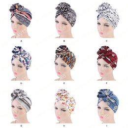 turban party hijab Sconti Nuove donne di modo elegante 3D Flower Turbante Cancro Chemo Caps Berretti Musulmani Turbante Party Hijab Bandane Accessori per capelli