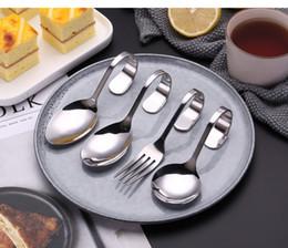Cucharas de postre de acero inoxidable online-Acero inoxidable Cubiertos Cubiertos Creativo Mango Curvado Cubiertos Doblado Tenedor Cuchara Vajilla Para Postre Accesorios de Cocina