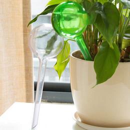 Boule en plastique globe en Ligne-Gros en plastique arrosage automatique des plantes usine d'arrosage Globe fleur outil d'irrigation, forme d'étoile d'oiseau forme de goutte goutte d'eau distributeur