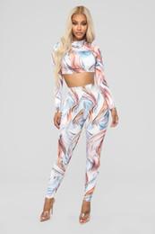 Nouvelle mode féminine transfrontalière, impression numérique sexy, pantalon abstrait à manches longues, costume deux pièces en Europe et en Amérique ? partir de fabricateur