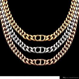 2019 le foto delle ragazze d'amore donne designer di gioielli di lusso collane in oro rosa spesse catene collane con bracciale in acciaio CD e collegamento di modo vestito della collana