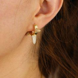 acc13924b9d9 2019 envío de la gota color dorado mini aro pendiente con piedra cz blanco  pavimentado lindos aretes pequeños para las mujeres de la fiesta de las  mujeres ...