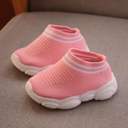2019 meias de borracha de borracha atacado Designer Da Criança Sapatos Crianças Bebê Crianças de Verão Sapatilhas Infantis Sapatos de Corrida Do Esporte Macio e respirável Confortável Bebê Meninos Meninas Miúdo