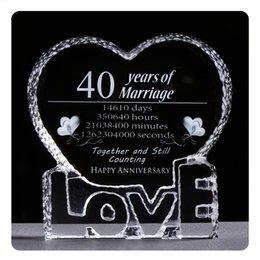 Hochzeitstag geschenke mann online-40. Jahrestag Hochzeit Geschenke ein Herz-Form-Kristallverzierung Laser gravierte denkwürdige Andenken Geschenke für Ehefrau oder Ehemann