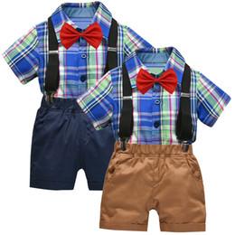 2019 laço da camisa dos meninos t Meninas da criança de Verão Roupa Dos Miúdos Das Crianças Da Criança Do Bebê Meninos Cavalheiro Bow Xadrez T-Shirt Tops + Shorts Macacão Outfits laço da camisa dos meninos t barato