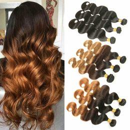 Malaysian human hair online-T1B / 4/30 Ombre Body Wave Paquetes de tejido de cabello indio 3 tonos Negro Marrón Rubio Malasios de cabello humano de Malasia Remy brasileño 1B / 4/27