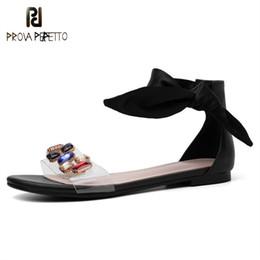 sandales lacer le ruban Promotion Prova Perfetto Bowknot Soie Ruban Sandales Femmes Chaussures Cristal Transparent Sandales À Lacets Plat Casual Chaussures De Plage Grand Taille 46