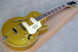 Полые гитарные звукосниматели онлайн-Можно настроить электрическую гитару Hollow Jazz с датчиками HH и Chrome Hardware, корпусом Golden Pink Body и Flower Pickguard.