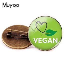 logos organiques Promotion 2019 New Vegan Logo Broches Diet Egetarian Go Bijoux Bio Rond Broche Broches Noir Multilayers Pins Verre Cabochon Art Pin