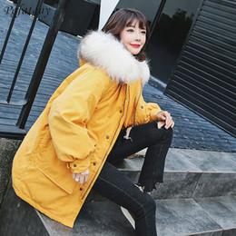 2018 Mäntel Frauen Parka Big Overcoat Pelz Kragen Samt Thick Oberbekleidung Street warme Mode mit Yellow Kapuze Jacke Winter Mäntel 08nkOPXw