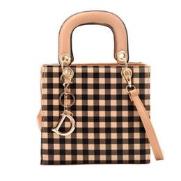 Grande tote online-Borsa a tracolla Mini Shopping in pelle PU di alta qualità a forma di mini borsa a quadri in pelle con borsa Sholder in metallo dorato