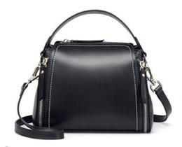 Puxando de óleo on-line-28 primavera nova tendência moda bolsa de couro de cera de óleo versão coreana da alça de ombro largo retro tração dupla bolsa de ombro mensageiro