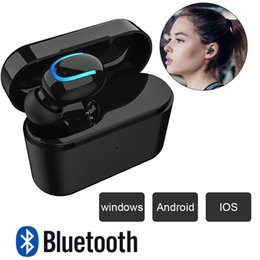 auriculares monoaurales Rebajas HBQ P26 Bluetooth 5.0 Mini receptor de cabeza monoaural impermeable sin hilos Sweatproof auriculares con carga carro de cartón