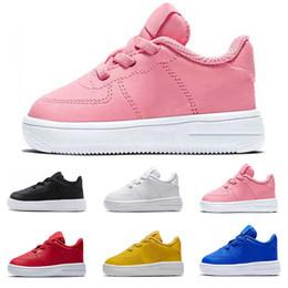 2019 zapatos de plataforma de chicas calientes Zapatillas de moda para niños de alta calidad zapatillas de plataforma triples negras blancas rojas rosadas de alta calidad para niñas niños zapatillas de skate casual tamaño 22-35 zapatos de plataforma de chicas calientes baratos
