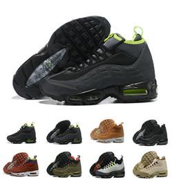 Scarpe sportive mens impermeabili online-Scarpe da corsa 95 Nero scuro Loden Rosso Verde impermeabile 95s chaussures Top scarpe da ginnastica di design sportivo da uomo Sneakers da uomo US 7-12