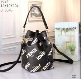 Venta al por mayor y al por menor Estilo clásico de la moda bolsos de las mujeres Mochila estilo Messenger Bag Lady Totes bolsos de hombro 088 desde fabricantes