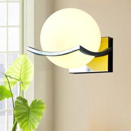 Glaskugel wandleuchte online-Neue Art E27 LED Wandlampen Metallglaskugel-Wandleuchten für Durchgangskorridor Schlafzimmernachttischlampe AC85-265V geben Verschiffen frei