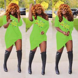 2019 vestido de discoteca Mulheres Vestidos Irregulares de Verão Moda Poppin Impresso Sexy Mangas Curtas Fora Do Ombro Vestidos Roupas Boate Roupas Plus Size C72307 vestido de discoteca barato