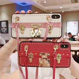 Teléfono celular antideslizante online-2019 Hombro de cuero portátil CellPhone Bag Volver Funda de teléfono Estampado de flores Funda antideslizante para iPhone X XS MAX XR 8 7 6 6S Plus