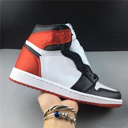 pattini di pallacanestro delle donne alti cime Sconti Designer New 1 OG High satin da donna BLACK TOE scarpe da basket da uomo sneaker sportive arancione nero sneakers outdoor TOP qualità taglia 36-46