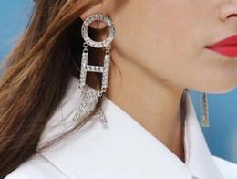 D письмо ювелирные изделия онлайн-модный бренд иметь штампы письмо дизайнер серьга для дизайна леди Женщины партии Wedding Luxury Jewelry С для невесты Lovers подарка с коробкой