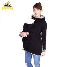 2019 chaqueta de invierno mujeres embarazadas Kavkas Baby Carrier Jacket Kangaroo Hoodie invierno maternidad Tops prendas de abrigo para mujeres embarazadas llevar bebé embarazo ropa Y190525 rebajas chaqueta de invierno mujeres embarazadas