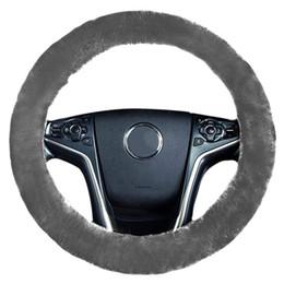 Acessórios corolla on-line-Capas de volante Capa de pelúcia macia quente Acessórios interiores de automóveis para 37-38 cm Para Camry Corolla RAV4 Land Cruiser