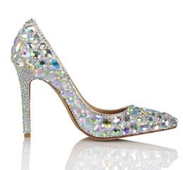 20170647 Moda Bombas de tacón alto para mujer Deslumbrantes diamantes de colores Boda con tacón delgado en punta Zapatos para caminar sexy desde fabricantes