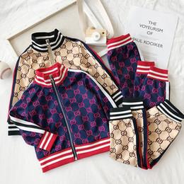 Çocuk Giysi Tasarımcısı Setleri Yeni Lüks Baskı Eşofman Moda Mektup Ceketler + Joggers Rahat Spor Stil Kazak Erkek Kız nereden çocuklar için mavi tutu toptan satış tedarikçiler