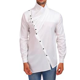 botón negro noche Rebajas Camisa de manga larga con botones inclinados de diseño irregular para hombres blusa plisada roja blanca negra hombres noche club escenario casual camisas disfraz