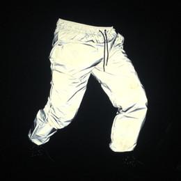Luce riflessa online-La primavera degli uomini di autunno riflettenti pantaloni notte riflettono luce jogging uomini hip hop punk street style pantaloni hiphop danza costume di scena