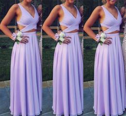 Vestido de noiva lilás de praia on-line-Barato 2019 da dama de honra vestidos de lavanda lilás a linha decote em v do pescoço lados simples casamento convidado vestido de praia estilo boho