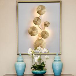 2020 salotti da salotto Rame Luster oro foglia di loto lampada da parete del retro del lato del letto Living Room Art Decor Illuminazione parete Sconces lampadina G9 salotti da salotto economici