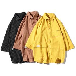 Черная полосатая рубашка онлайн-Streetwear Мужские Рубашки Полоса Мужчины Половина Рукава Рубашки Карман Лето Черный Желтый Коричневый Мужская Рубашка